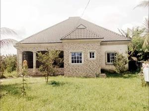 XMAS SALES: Affordable 3 Bedroom Bungalow On 1 Plot Of Land At Iwofe   Houses & Apartments For Sale for sale in Rivers State, Port-Harcourt