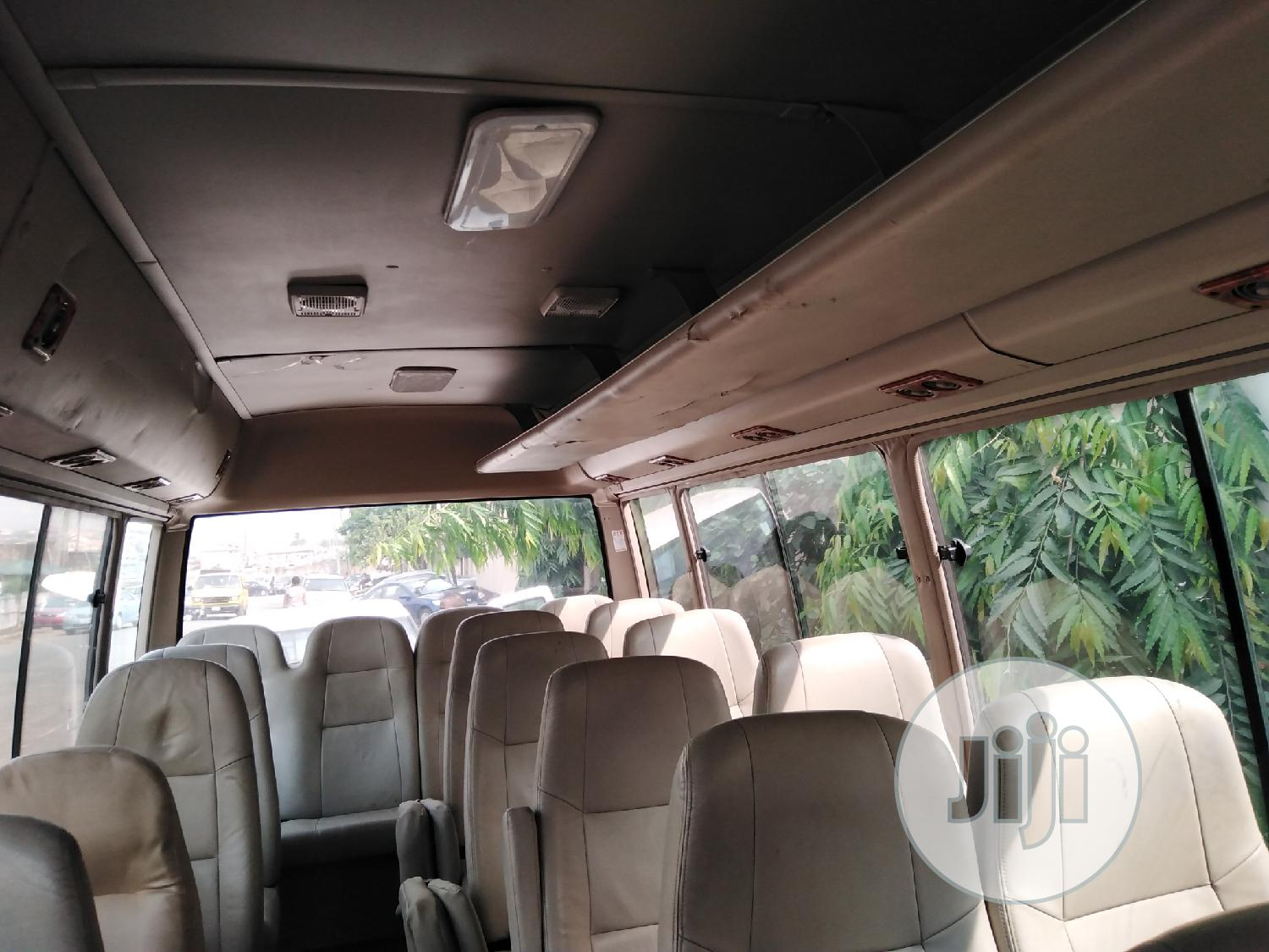 Toyota Coaster Bus 2004 Leather Interior   Buses & Microbuses for sale in Ikeja, Lagos State, Nigeria