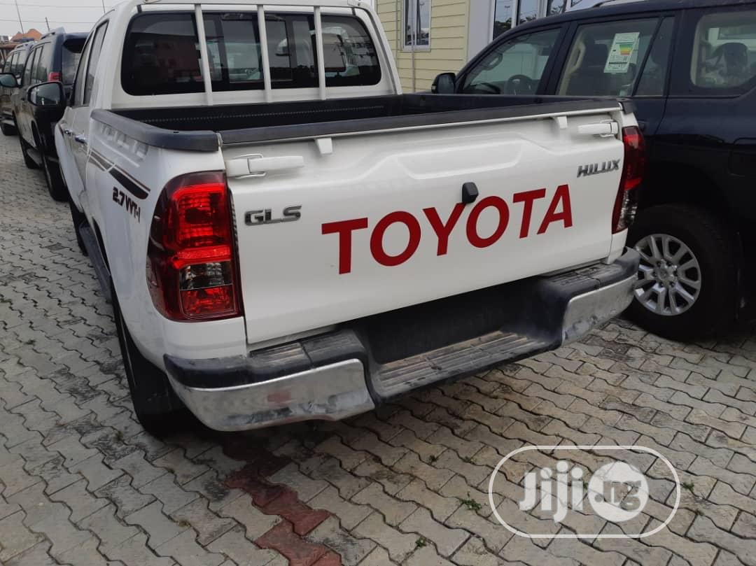 New Toyota Hilux 2017 SR 4x4 White | Cars for sale in Ikeja, Lagos State, Nigeria