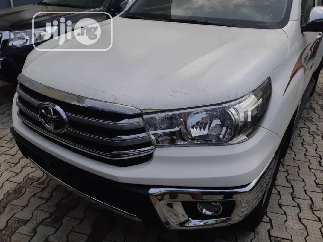 New Toyota Hilux 2017 SR 4x4 White