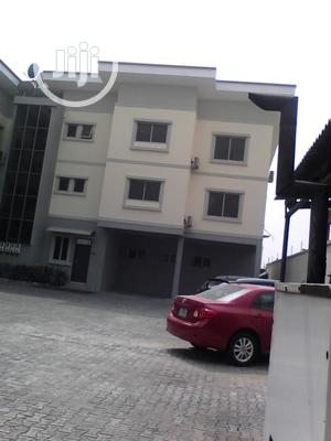 Serviced 3bedroom Flat With Excellent Features For Rent   Houses & Apartments For Rent for sale in Lagos State, Lekki
