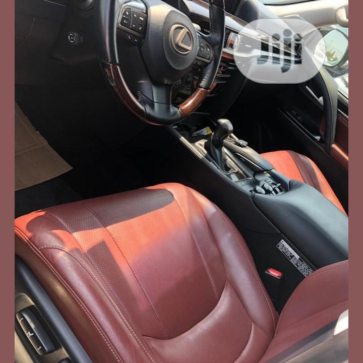 Archive: Lexus LX 570 2017 Black