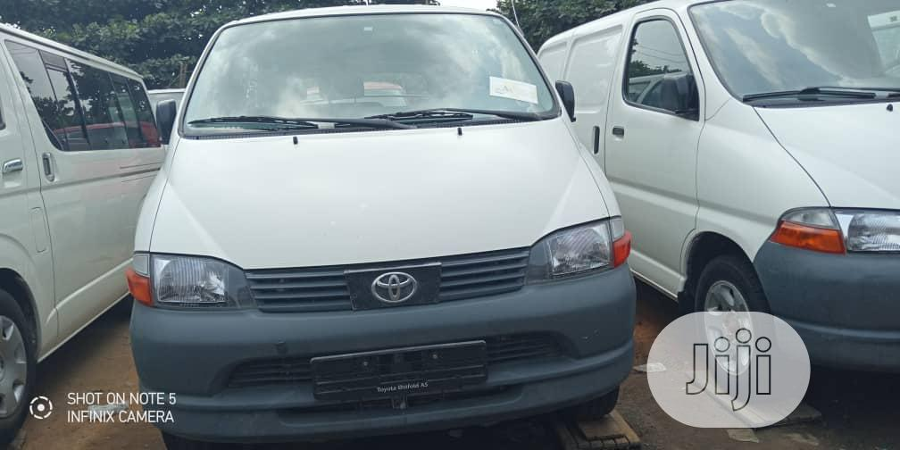 Toyota Hiace Bus 2003 Model, White | Buses & Microbuses for sale in Apapa, Lagos State, Nigeria