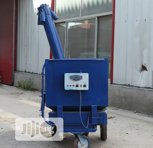 China Factory Automatic Modern Chicken Feeding Car Electric Feeder