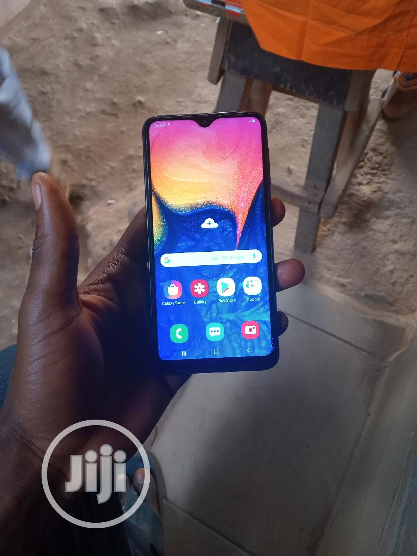 Samsung A10 32 GB Blue