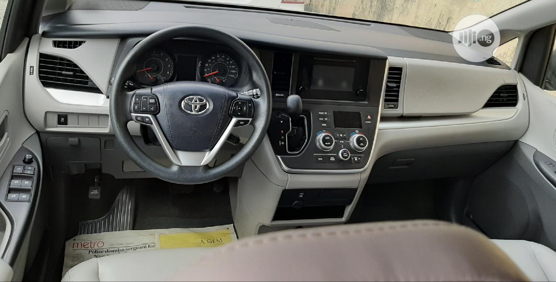 Toyota Sienna 2017 Silver   Cars for sale in Amuwo-Odofin, Lagos State, Nigeria