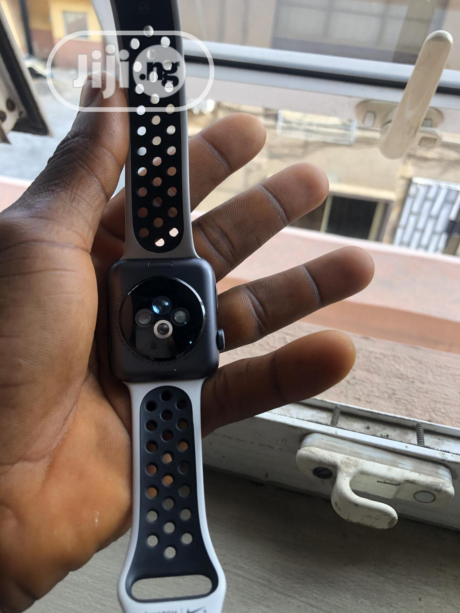 Apple Watch Series 3 42mm   Smart Watches & Trackers for sale in Ikeja, Lagos State, Nigeria