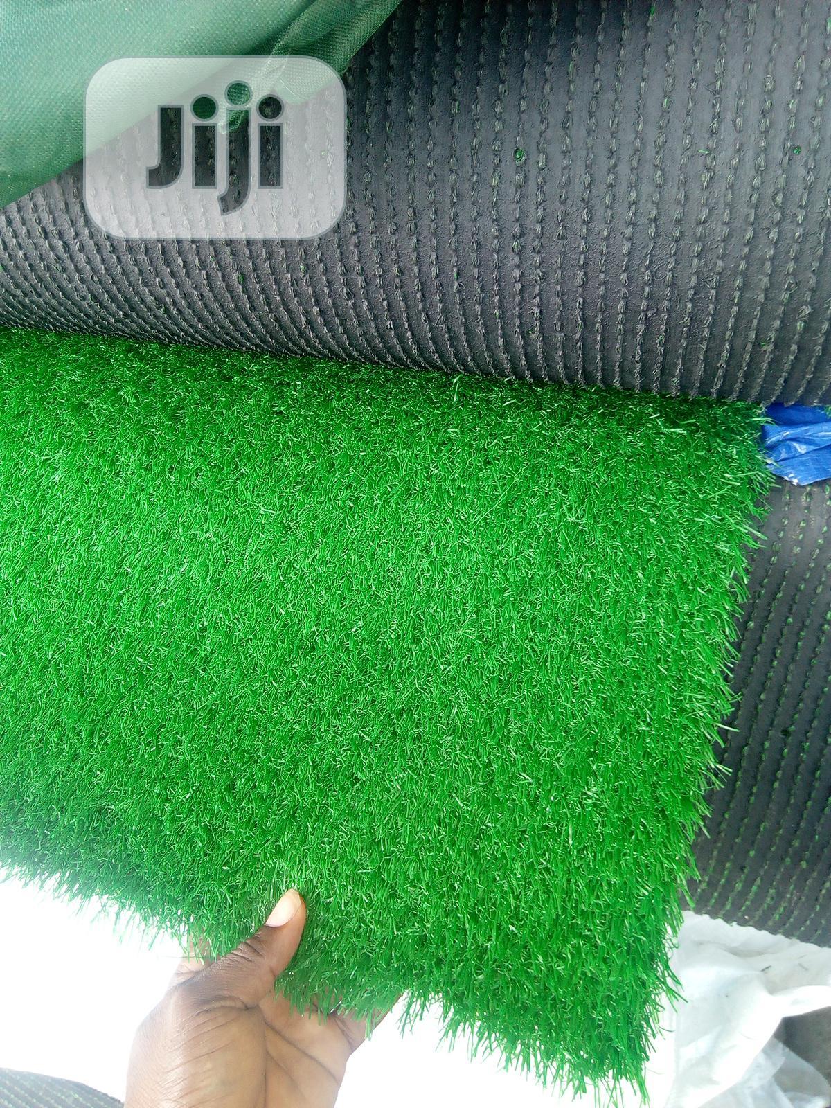 High Quality Artificial Green Grass Carpet.