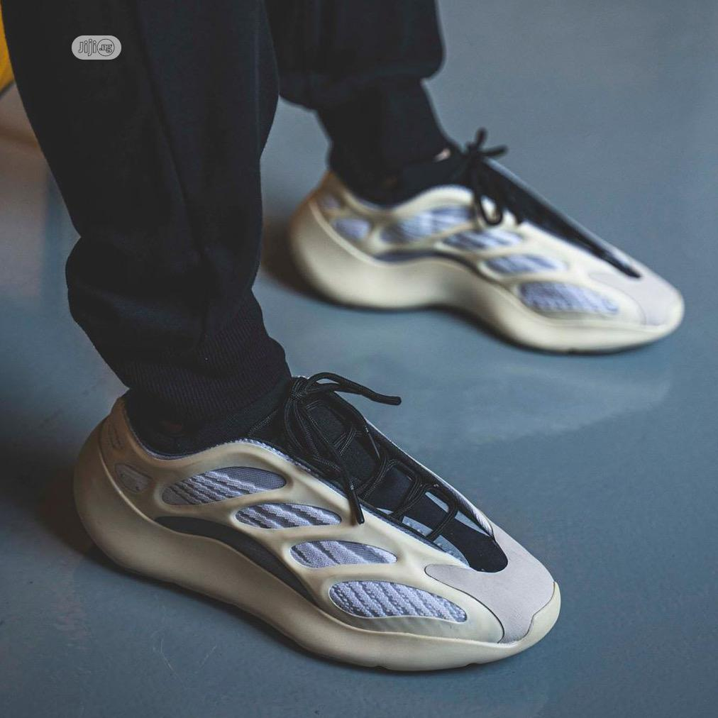 Kanye West X Yeezy 500 V3 Azael   Shoes for sale in Shomolu, Lagos State, Nigeria