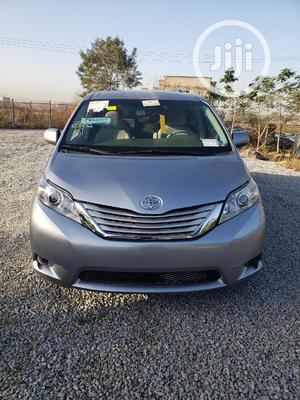Toyota Sienna 2011 LE 7 Passenger Mobility Silver | Cars for sale in Abuja (FCT) State, Galadimawa