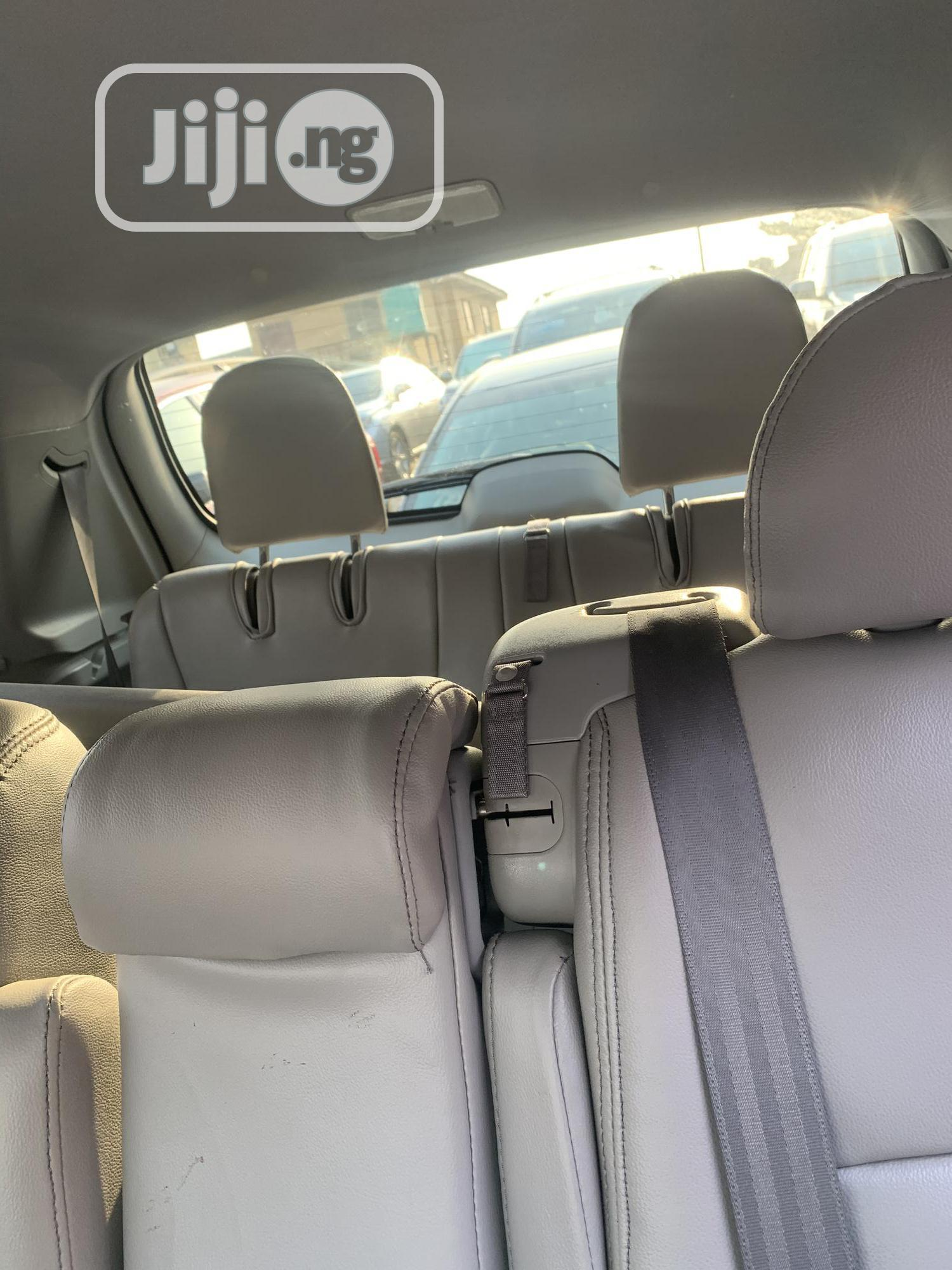 Archive: Toyota Highlander 2010 Gray