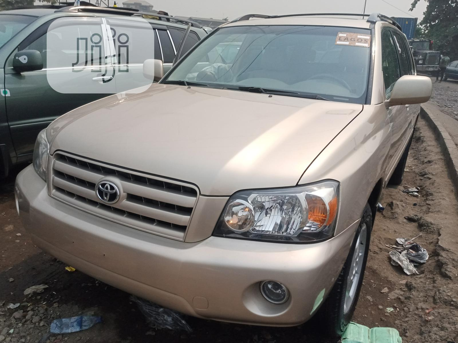 Toyota Highlander 2006 Limited V6 4x4 Gold | Cars for sale in Apapa, Lagos State, Nigeria