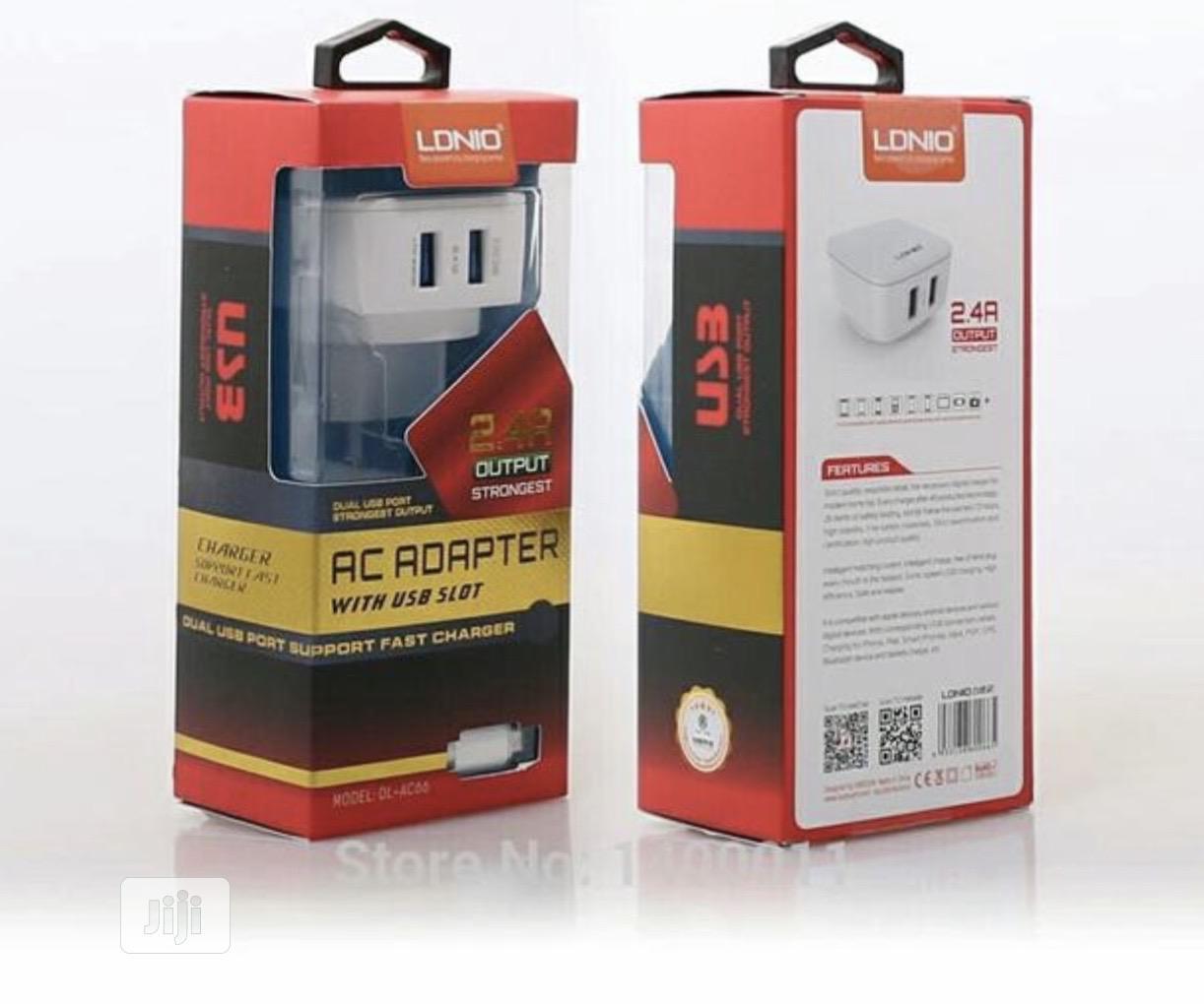 LDNIO 5V 2.4A Travel Dual 2 USB Charger
