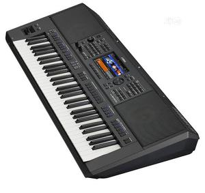 Professional Yamaha PSR SX900 Keyboard.   Musical Instruments & Gear for sale in Lagos State, Ojo