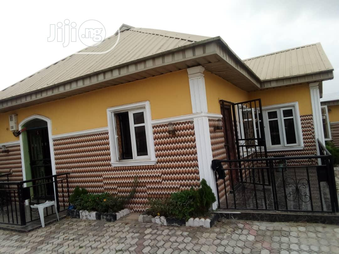 3 Bed Room Bungalow Detached House for Sale