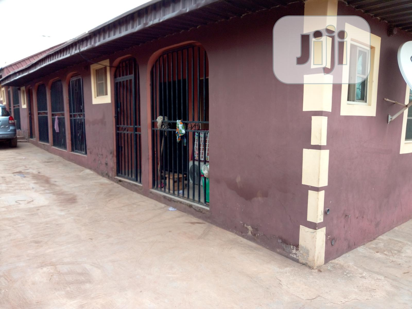 For SALES 10 Unit a Room Parlour Self Contained