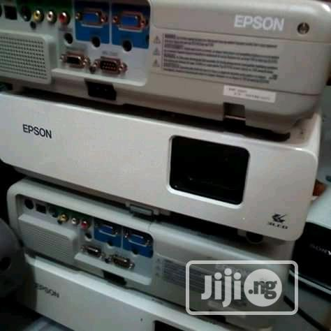 Amazing Discounted Projector   TV & DVD Equipment for sale in Osogbo, Osun State, Nigeria