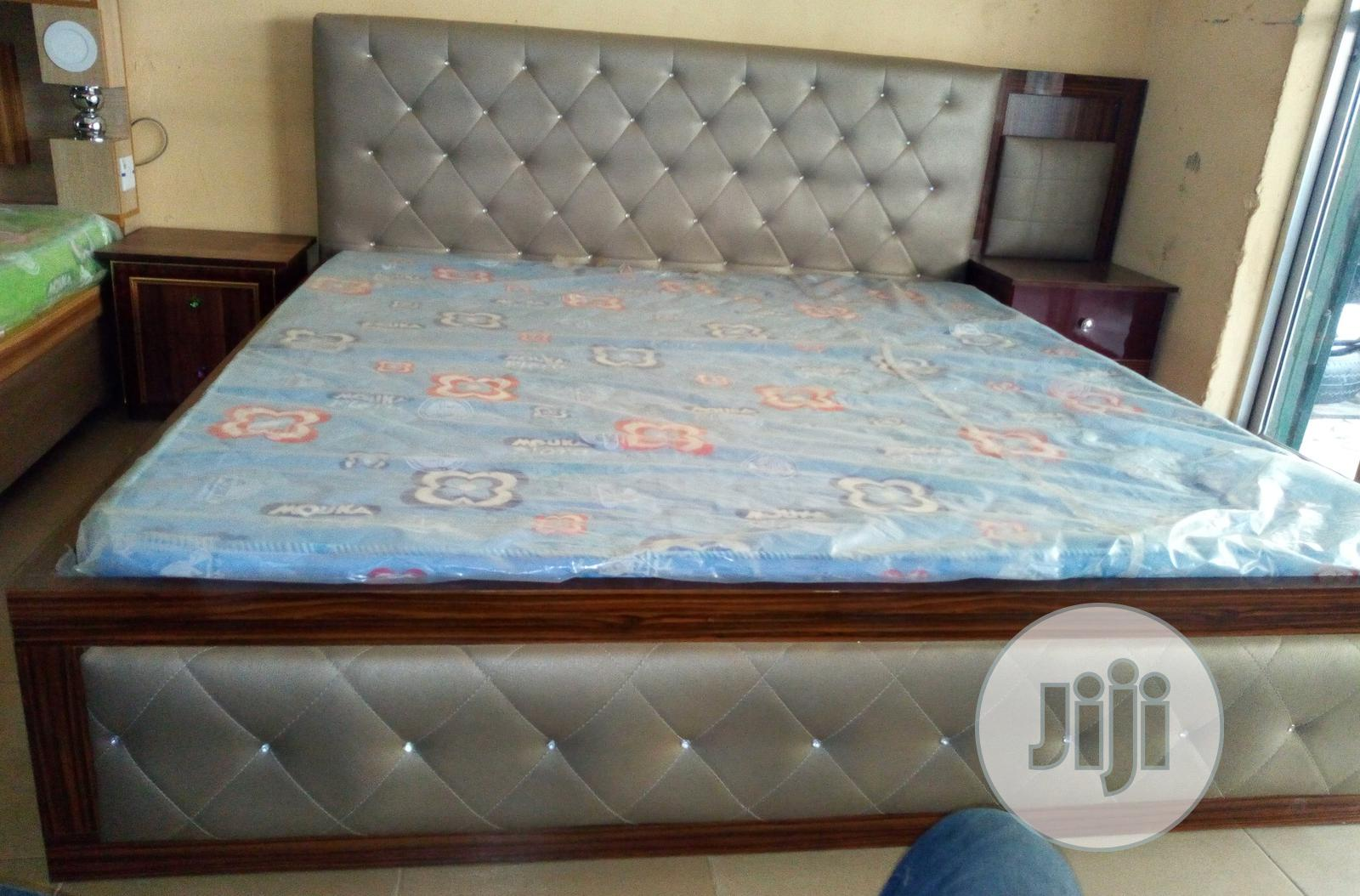 Archive: Quality Bed With Dressing Mirror And 2 Bed Side Drawers