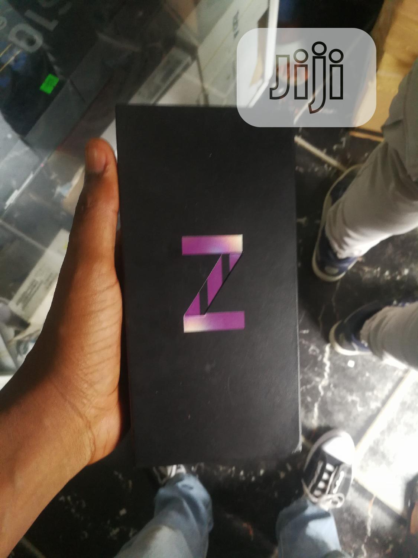 New Samsung Galaxy Z Flip 256 GB Black