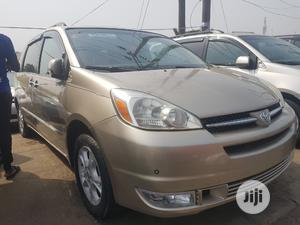 Toyota Sienna 2005 XLE Limited AWD Gold   Cars for sale in Lagos State, Apapa