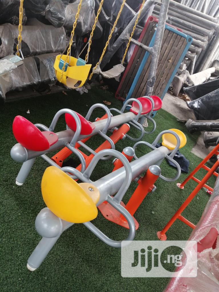 Attractive 4 Seat Seesaw Swing For School Playground
