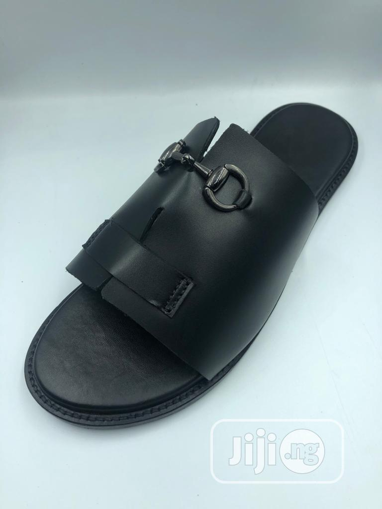 Black Cover Palm With Silver Chain   Shoes for sale in Mushin, Lagos State, Nigeria