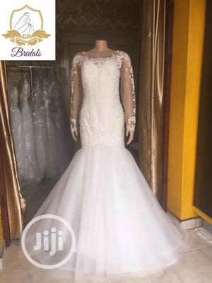 Wedding Gown For Rent With Veil Robes | Wedding Wear & Accessories for sale in Lagos State, Magodo