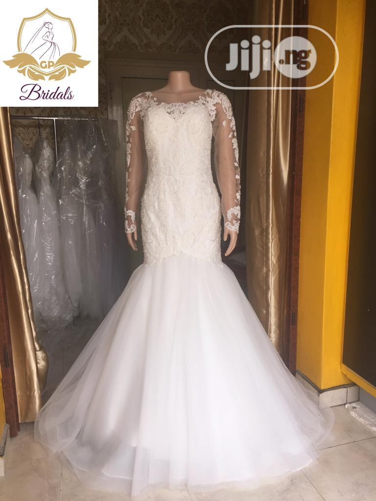 Wedding Gown For Rent With Veil Robes