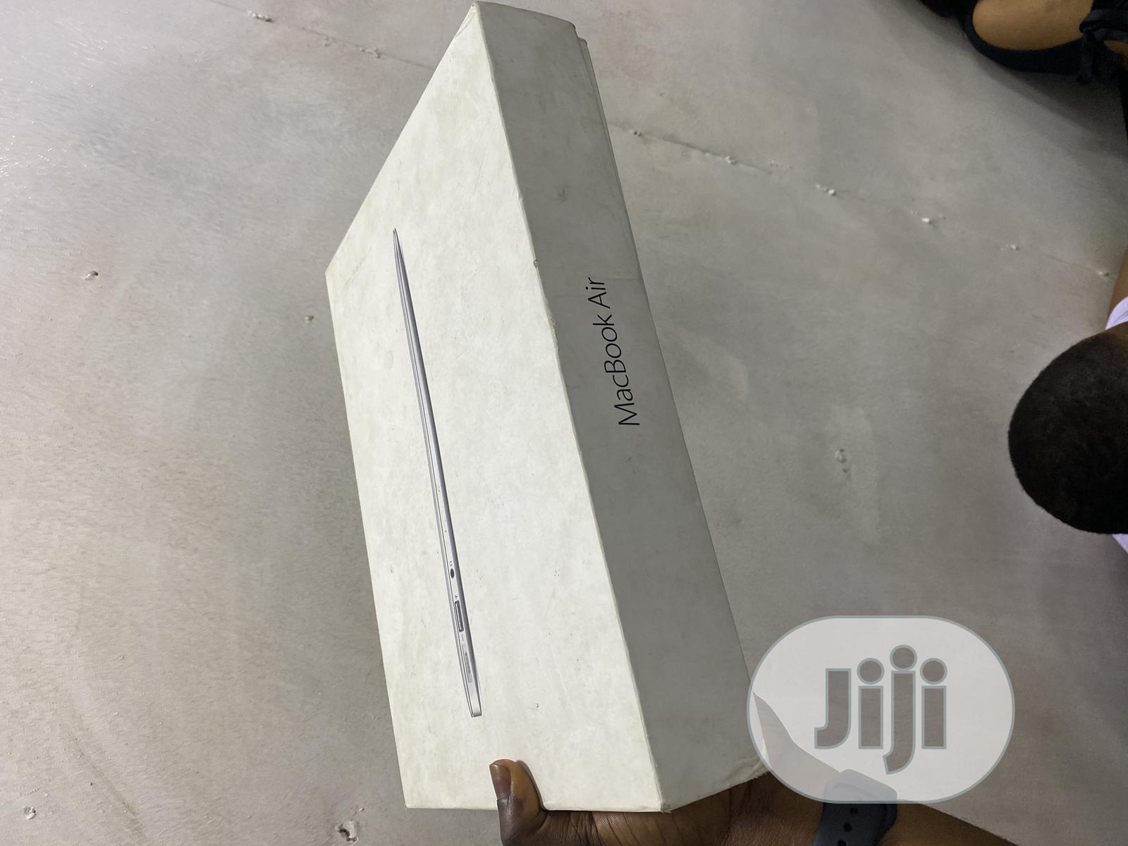 Laptop Apple MacBook Air 8GB Intel Core i5 SSD 128GB