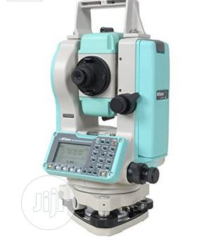 """Nikon NPL-322 (5"""") Reflectorless Total Station 