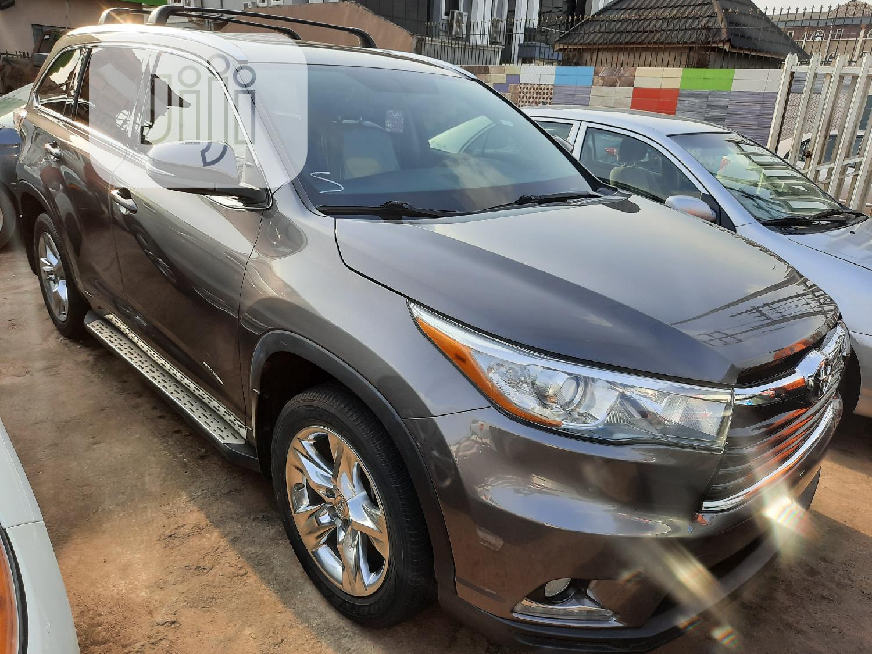 Toyota Highlander 2015 Gray