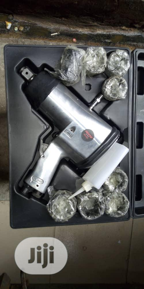 """Professional Air Impact Wrench 3/4"""" Wit Sockets"""