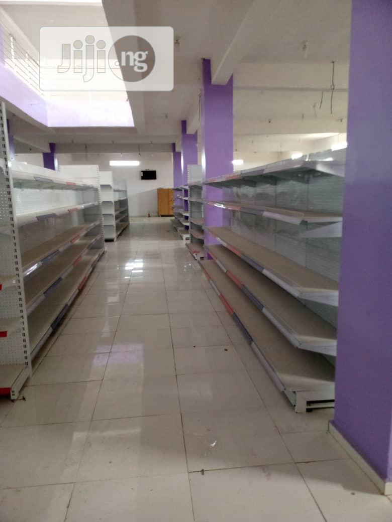 Supermarket Shelve