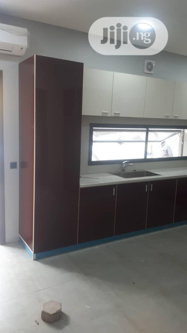 Archive: Kitchenette Cabinets