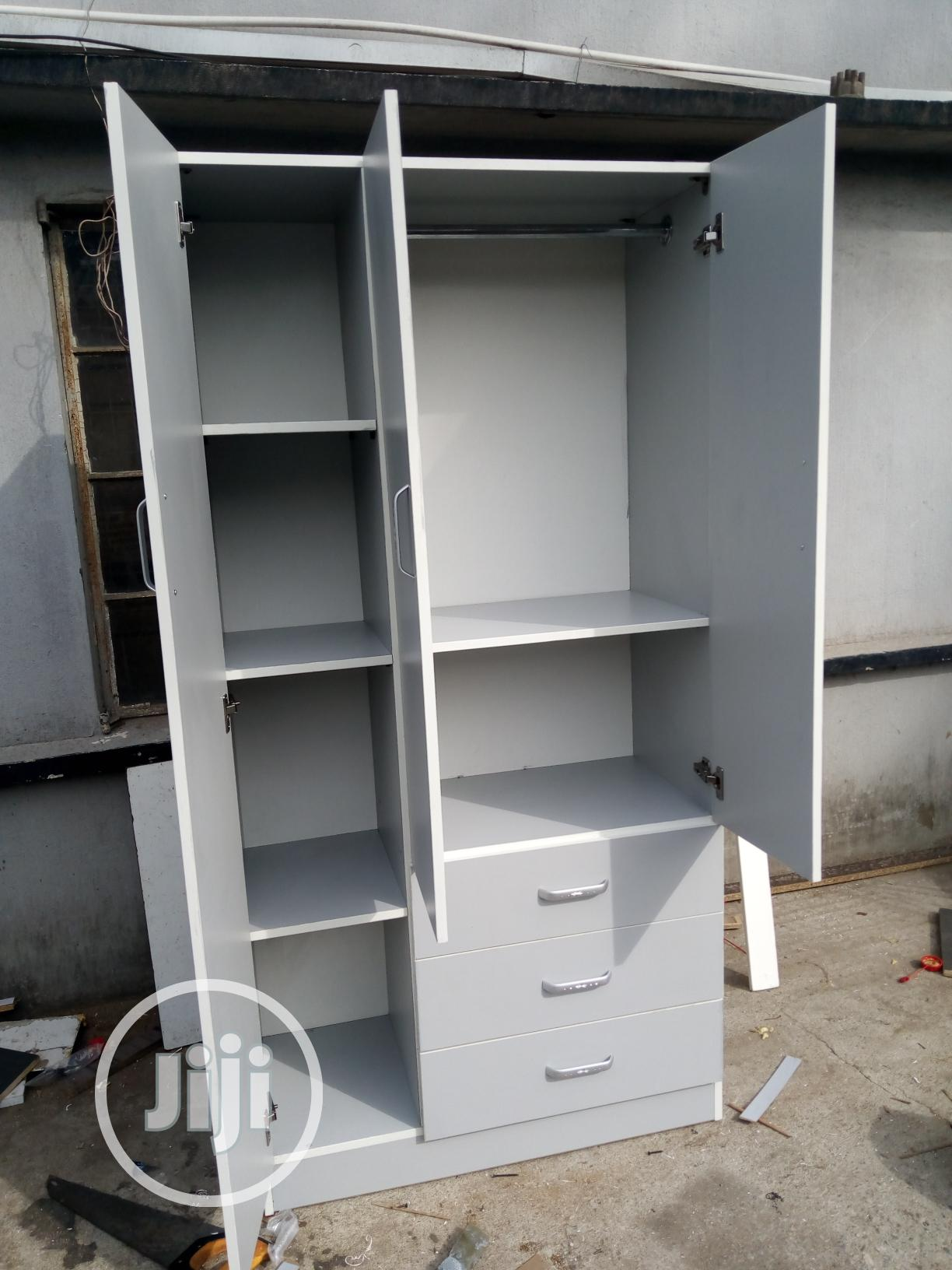 6ft X 3ft Wardrobe | Furniture for sale in Isolo, Lagos State, Nigeria