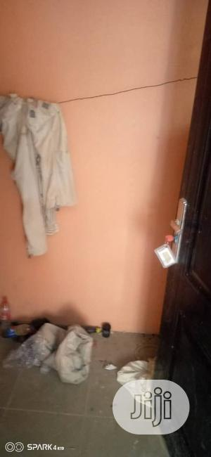 Three Bedroom Flat Apartment Within Old Ife Road | Houses & Apartments For Rent for sale in Oyo State, Ibadan