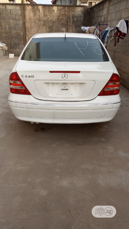 Archive: Mercedes-Benz C240 2005 White