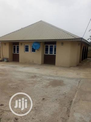 Three Bedroom Flat Apartment Within Ojoo Makinde | Houses & Apartments For Rent for sale in Oyo State, Ibadan