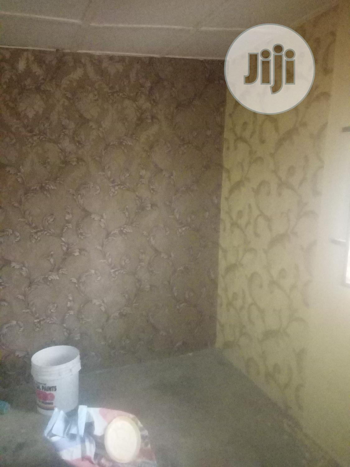 Screeding, Wallpaper And Stucco Painting