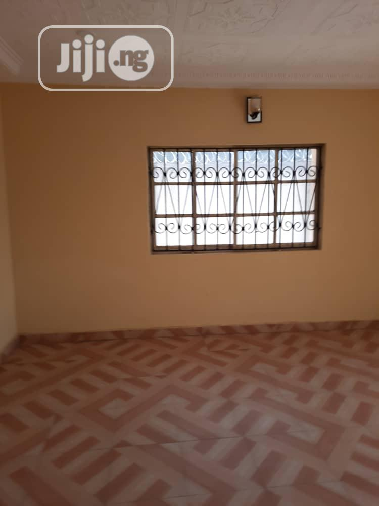 Three Bedroom Flat Apartment Within Akobo | Houses & Apartments For Rent for sale in Ibadan, Oyo State, Nigeria