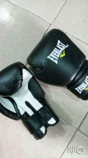 Everlast Boxing Glove.   Sports Equipment for sale in Lagos State, Ikeja