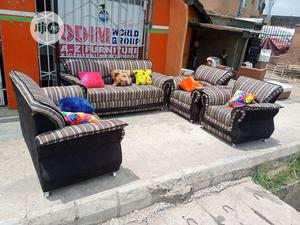 Set Of 7 Seaters Sofa Chairs With Throw Pillows | Furniture for sale in Lagos State, Ikorodu