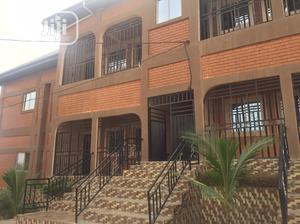 3bedroom Flat For Rent | Houses & Apartments For Rent for sale in Cross River State, Calabar
