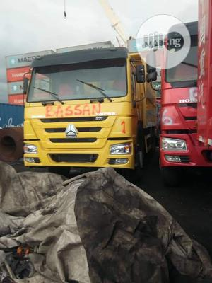 Newly Arrived Chinese Howo Tipper Trucks for Sale | Trucks & Trailers for sale in Abuja (FCT) State, Dei-Dei