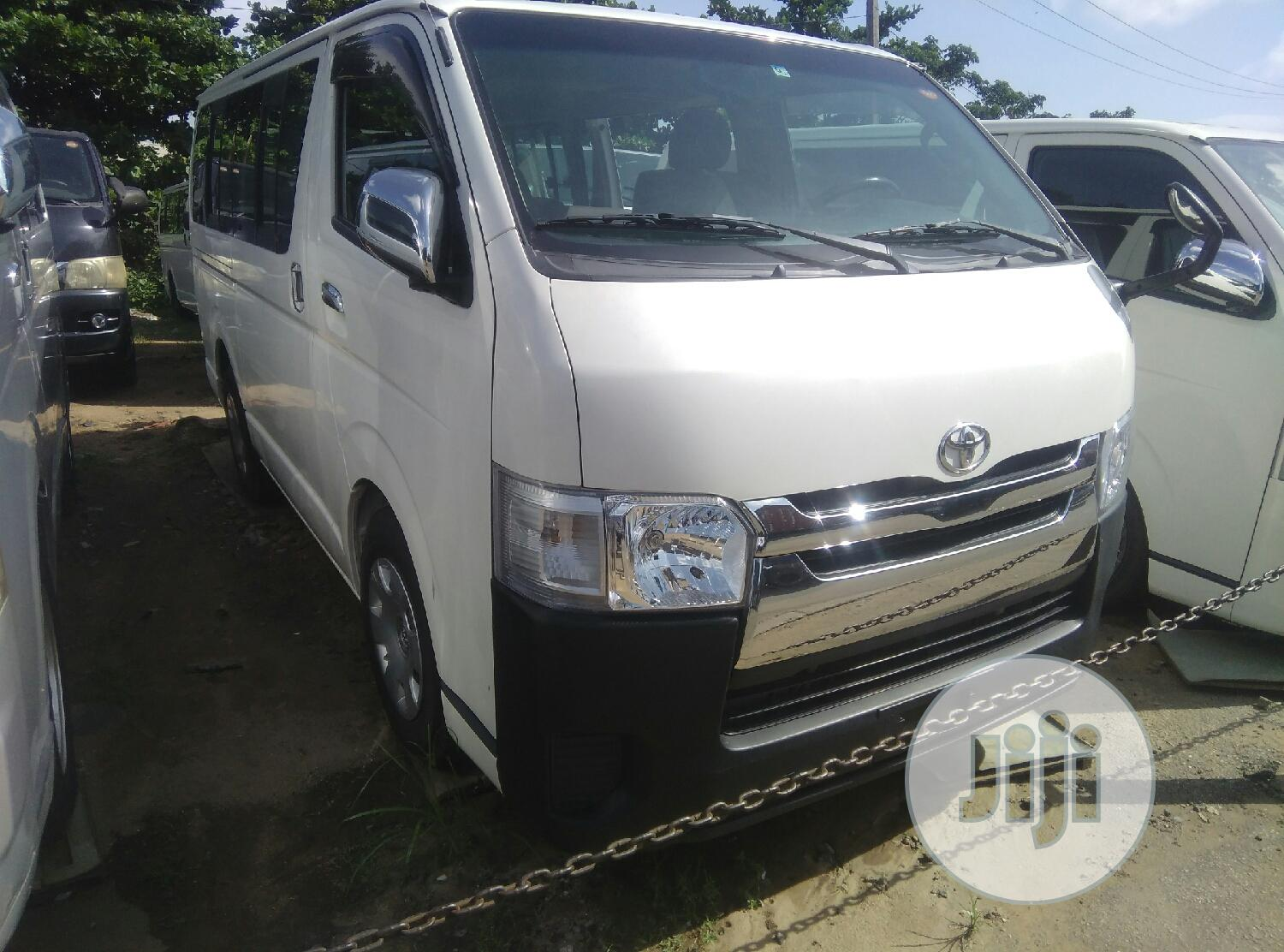 White Hiace Bus   Buses & Microbuses for sale in Apapa, Lagos State, Nigeria