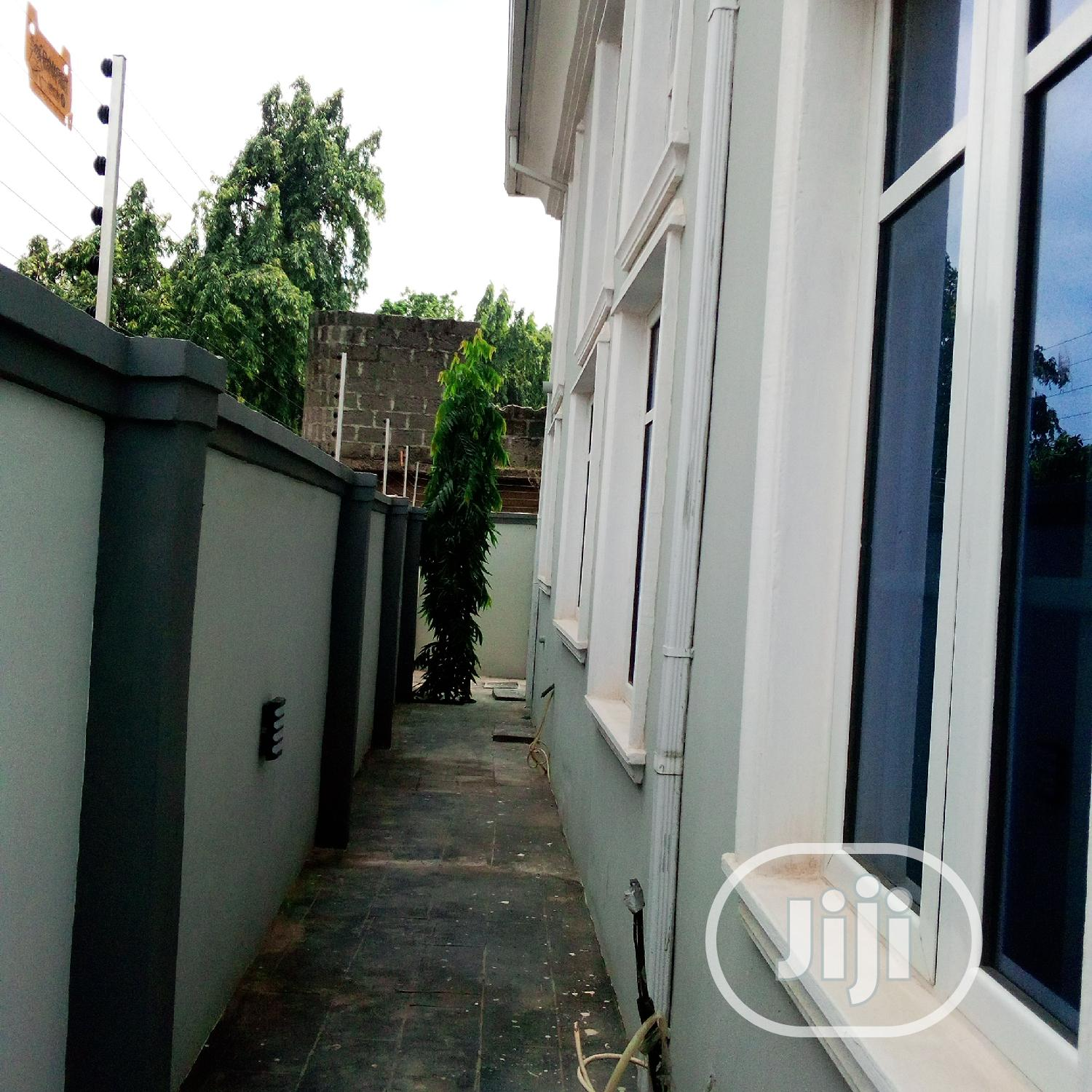 A Well Finished 3 Bedroom Duplex In Gowon Estate | Houses & Apartments For Sale for sale in Alimosho, Lagos State, Nigeria