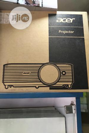 Acer Projector 4000L   TV & DVD Equipment for sale in Lagos State, Ikeja