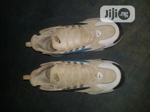 White Nike Sneaks   Shoes for sale in Ogun State, Ijebu Ode