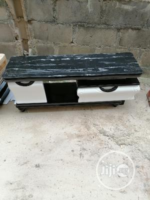 New Product Design Tv Stand Available Inside Catoon   Furniture for sale in Lagos State, Agege