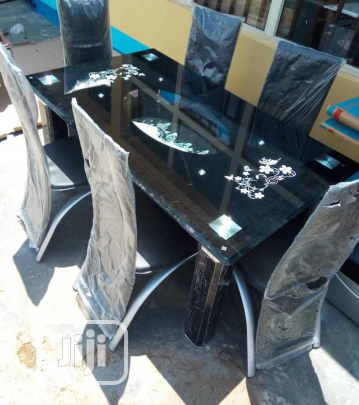 Archive: Quality Glass Dinning Table